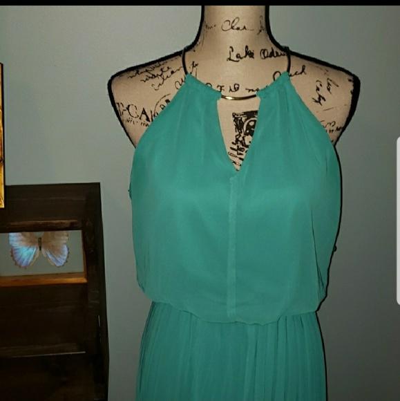 Bisou Bisou Dresses & Skirts - New Bisou Bisou Halter Dress